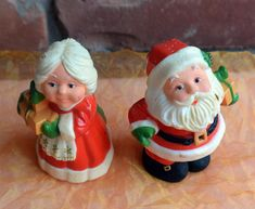 Hallmark Santa & Mrs. Clause Salt Pepper Shakers - Orig Box, Hong Kong - Vintage - Fabulous! by YPSA on Etsy