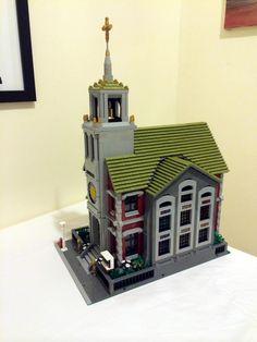 My custom modular building - a church Lego Watch, Lego Simpsons, Lego Architecture, Classic Architecture, Lego Toy Story, Lego Girls, Lego Craft, Lego System, Lego Trains