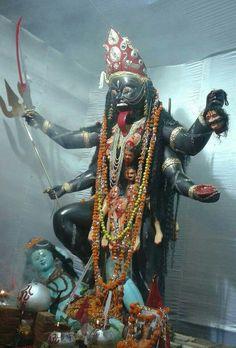 MAA KALI Jay Maa Kali, Kali Mata, Shiva Linga, Mahakal Shiva, Kali Hindu, Hindu Art, Kali Goddess, Mother Goddess, Maa Kali Photo