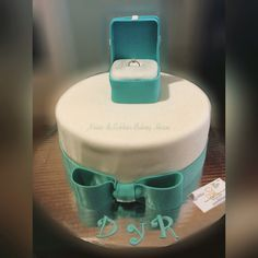 Proposal cake . Do you want to marry me ?