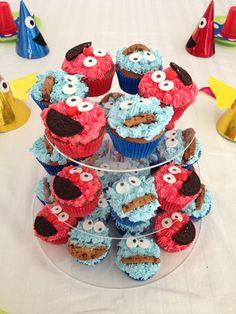 Cookie Monster & Elmo cupcakes