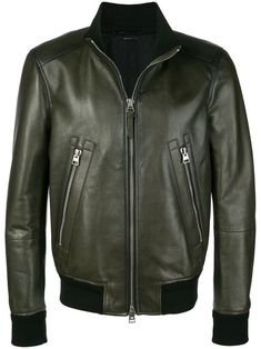 Shop now Tom Ford bomber flight jacket for at Farfetch UK. Mens Designer Leather Jackets, Green Leather Jackets, Leather Jacket Outfits, Men's Leather Jacket, Leather Men, Tom Ford Jacket, Pu Jacket, Jacket Style, Mens Outdoor Jackets