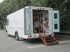 Mobile Fashion Boutiques | different kind of fashion buzz when i heard about mobile boutiques ...
