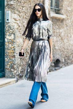 百褶不只有裙子,街拍達人帶來百褶的全新演繹方式!