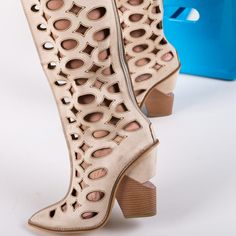 Cizme Stroberi Bej Peeps, Peep Toe, Shoes, Fashion, Moda, Zapatos, Shoes Outlet, Fashion Styles, Shoe