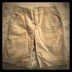 ❤️ GAP Shorts ❤️ GAP favorite chino Bermuda khaki shorts. Excellent condition:) GAP Shorts Bermudas