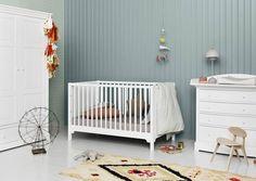 Lastenhuoneen sisustukseen saa menneen ajan lumoa oikeilla kalusteilla, värivalinnoilla ja materiaaleilla. Katso Avotakan 14 inspiroivaa lastenhuonetta.