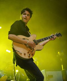 Ezra Koening - Vampire Weekend
