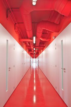 anonyme uses of color highlights the building's functional aspect