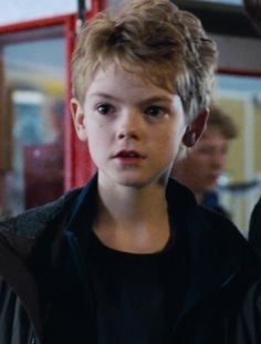it's super sweet I love Thomas Sangster Maze Runner Thomas, Maze Runner Cast, Thomas Brodie Sangster, Dylan O'brien, Love Actually Sam, Maze Runner Actores, Minho, Nanny Mcphee, Handsome Actors