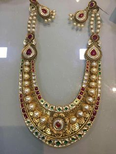 India Jewelry, Temple Jewellery, Gold Jewellery, Bridal Jewelry, Jewelery, Choker Necklaces, Necklace Set, Gold Necklace, Latest Jewellery