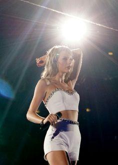 Taylor Swift - 1989 World Tour - Clean