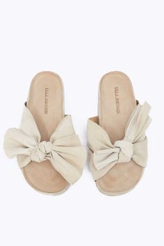 Sandal in tan
