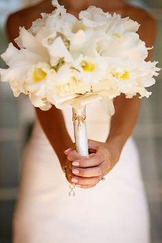 Love how delicate this bouquet looks! From a gray + yellow wedding. Orchid Bouquet, Cattleya Orchid, Flower Bouquet Wedding, Modern Wedding Flowers, Floral Wedding, Yellow Wedding, Dream Wedding, Gray Weddings, Bride Bouquets
