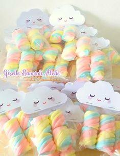Copie e cole no navegador o link abaixo para visualizar todos os produtos desse . Rainbow Birthday Party, Rainbow Theme, Unicorn Birthday Parties, Rainbow Baby, Baby Birthday, Birthday Party Decorations, Pastell Party, Cloud Party, Baby Shawer