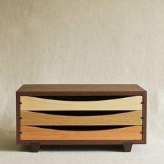 Muhs Home - Tricolor Wood Desktop Chest Unique Furniture, Wooden Furniture, Furniture Projects, Furniture Decor, Wood Projects, Woodworking Projects, Furniture Design, Furniture Inspiration, Wood Boxes