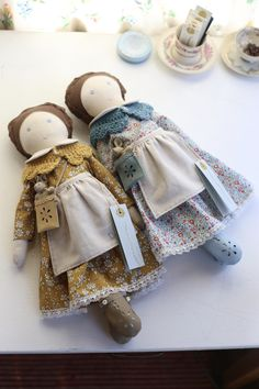 The website of Katy Livings, textile designer, baker and maker. Doll Sewing Patterns, Sewing Dolls, Diy Rag Dolls, Fabric Toys, Paper Toys, Homemade Dolls, Waldorf Dolls, Soft Dolls, Doll Crafts
