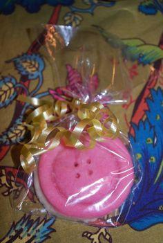Button Cookie Button Cookies, Shower Inspiration, Shower Ideas, Baby Shower, Candy, Cute, Cookies, Babyshower, Kawaii
