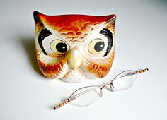 Hey, I found this really awesome Etsy listing at https://www.etsy.com/listing/214515210/owl-eyeglass-holder-ceramic-stand