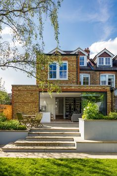 Dunmore Road House is a Victorian semi-detached house completely redesign by Granit Architects, a professional architecture and interior . House Extension Plans, House Extension Design, Glass Extension, Roof Extension, Extension Ideas, Extension Designs, Patio Steps, Garden Steps, Patio Plans