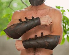 Leather Armor Bracers/Viking/Gladiator/Spartacus Battle Bracers -Pair