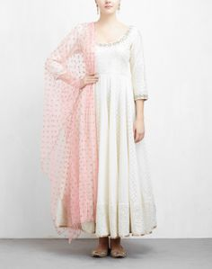Find a wide range of designer anarkali suits online from our collection of latest anarkali suits for women. Shop at ogaan to get dresses at best price. White Salwar Suit, White Anarkali, White Kurta, Simple Anarkali Suits, Indian Attire, Indian Outfits, Eid Outfits, Indian Wear, Designer Anarkali Dresses