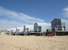slaaphuisjes op het strand van Domburg