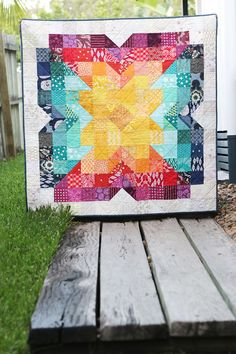 Scrappy Posie - a free baby quilt pattern - Scrappy Posie – an easy, free baby quilt pattern by Bonjour Quilts. Sew a scrappy rainbow baby qu - Owl Quilts, Scrappy Quilts, Easy Quilts, Scrappy Quilt Patterns, Girls Quilts, Small Quilts, Quilt Blocks, Quilt Baby, Quilting Projects