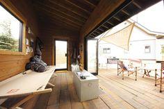 「こころを遊ばせてください。」というメッセージとともに、「BESS(ベス)」ブランドでログハウスはじめ個性的な木の家を提供してきたアールシーコア。業界の