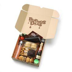 Caja de desayuno a domicilio Matías Buenos Días Snack Box, Lunch Box, Ideas Desayunos, Ideas Para, Food Packaging, Packaging Design, Burger Box, Graze Box, Picnic Box