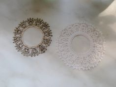 波ちゃんシリーズのデチカとデチカ難。だんご三兄妹さんがきれいに編んできてくださいました。左の素材は金と黒のブレンド、とてもステキですね。031/032/20160725