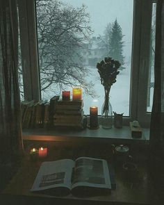 Is there a better season for reading than on a cold winter day? - Is there a better season for reading than on a cold winter day? Source by inga_wkmp - Winter Day, Winter Christmas, Cozy Winter, Christmas Lights, Beautiful Places, Beautiful Pictures, Cozy Aesthetic, Aesthetic Dark, Aesthetic Bedroom
