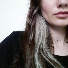 "Instagram @ebrukaracar Caption: ""Unicorn hair don't care ✖"" #greyhair #hair #grey"