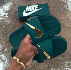 Nike Shoes OFF! ►► 35 Ideas for how to wear nike slides high heels Sneakers Mode, Sneakers Fashion, Shoes Sneakers, Sneakers Design, Nike Slides, Pool Slides, Jordan Shoes Girls, Girls Shoes, Crazy Shoes