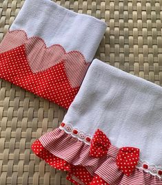 Sewing Hacks, Sewing Crafts, Sewing Projects, Dish Towels, Tea Towels, Towel Crafts, Flour Sack Towels, Sewing Rooms, Burp Cloths