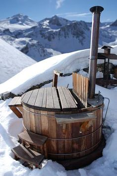 Image of jacuzzi, alpine, holiday - 5849733 Hot tub. Wooden hot tub in the alp Jacuzzi, Spa Exterior, Cabin Hot Tub, Japanese Soaking Tubs, Outdoor Baths, Log Homes, Firewood, Outdoor Living, Backyard