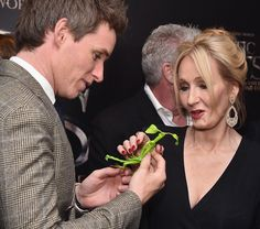 Eddie Redmayne and jk rowling on the black carpet at Lincoln Center in NYC (x) (x) Bowtruckle appreciation from Eddie Redmayne