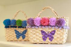 Adoramos as bolsas de palha que a Lus Handmade faz em versões kids e adulto. Vem ver que modelos fofos para look mãe e filha!