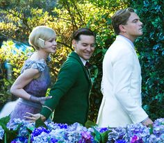 Carey Mulligan, Tobey Macguire & Leo DiCaprio filming The Great Gatsby... major.