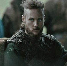 UBBE is the one that reminds me most of Ragnar.noticed all the little characteristics in the last season were a bit like his father's! Vikings Ubbe, Vikings Actors, Vikings Tv Series, Vikings Tv Show, Ragnar Lothbrok Sons, Sons Of Ragnar, King Ragnar, Viking Images, Viking Pictures