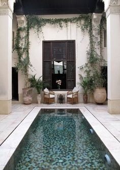 Pool Landscaping Ideas a Minimalist Swimming Pool on a Tiny Page? Surely it would be very nice to have a swimming pool at home. Outdoor Rooms, Outdoor Living, Piscina Interior, Pool Landscape Design, Patio Design, Design Jardin, Patio Interior, Interior Design, Luxury Pools