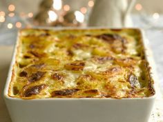 Kartoffelauflauf ist ein Rezept mit frischen Zutaten aus der Kategorie Wurzelgemüse. Probieren Sie dieses und weitere Rezepte von EAT SMARTER!