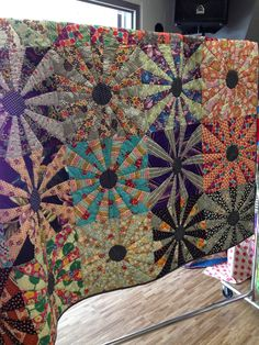My friend, Debbie, and I had a wonderful day in Brantford last week at a workshop organized by the Red Red Bobbin  quilt shop. I had read ab...