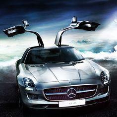 'Heavenly' Mercedes-Benz SLS AMG