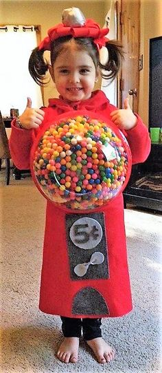 Gumball machine Halloween costume Adorable Made with real gumballs - 24 Unique Diy Gumball Machine Costume Easy Homemade Halloween Costumes, Cute Halloween Costumes, Halloween Kostüm, Gumball Machine Halloween Costume, Gumball Costume, Bubble Gum Machine Costume, Bubble Machine, Costume Bonbon, Costume Original
