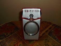 Beach Boys AM/FM Transistor Radio Retro, Red |  Retro
