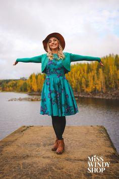 Welcome, autumn! (c) misswindyshop.com #autumn #dress #adventurer #shrug #teal #butterfly #hat #blonde #dressrevolution #mekkovallankumous