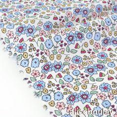 Tissu batiste coton soyeux fleuri rose bleu fond blanc x 50cm : Tissus Habillement, Déco par alice-boulay