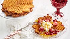 Mureat vohvelit - Yhteishyvä Kermit, Deli, Waffles, Deserts, Goodies, Sweets, Snacks, Baking, Breakfast