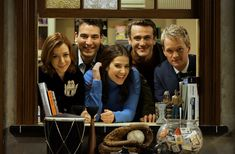 Couple Series on Netflix - 17 Suggestions How I Met Your Mother, Robin Scherbatsky, Ted Mosby, Spa Day Gifts, Dramas, Gung Ho, Romantic Picnics, Hollywood Theme, Bts Imagine